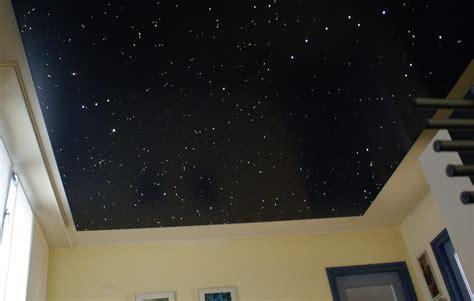 decke mit sternen sternenhimmel schlafzimmer led decke sterne mycosmos