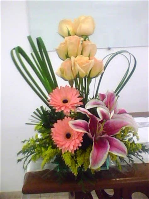 santo tabernaculo arranjos de flores naturais