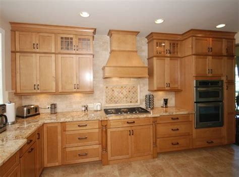 Kraftmaid Countertops by Kraftmaid Glaze Cabinets With Granite Countertops