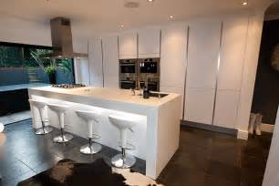 Modern Handleless Kitchens - handleless kitchens from lwk kitchens