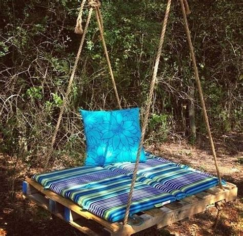 pallet swing bench 33 pallet swings chair bed and bench seating plans