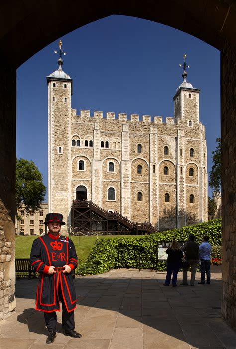 top 7 fun facts about london s houses of parliament top 10 facts about the tower of london guide london