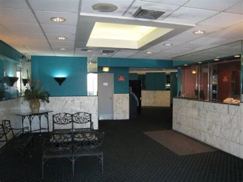 front desk bronx ny foto de whitestone hotel bronx two tripadvisor