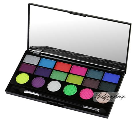 Ready Stock Focallure 18 Colors Eyeshadow Palette Eye Shadow Color makeup revolution colour chaos 18 exclusive eyeshadow