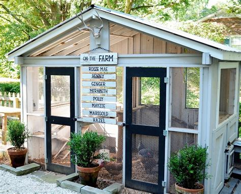 22 Diy Chicken Coops You Need In Your Backyard Diy Diy Backyard Chicken Coop