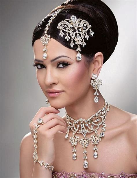 List Of Different Types Of Hair Buns by 5 Types Of Bridal Hairstyles Matrimony Directory