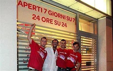 carrefour italia sede salva italia centri commerciali aperti 24 ore su 24