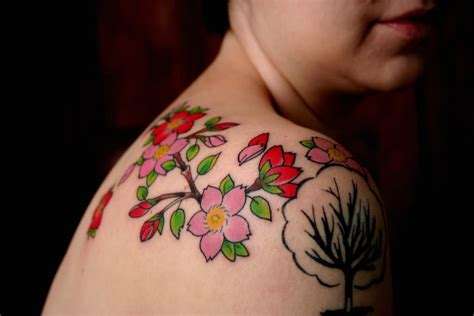 cherry blossom shoulder tattoo cherry blossom tattoos page 12