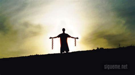 imagenes cristianas cadenas rotas libres para siempre romanos 6 16 charles stanley