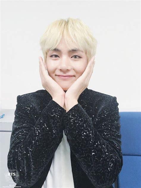 kim taehyung smile kim taehyung smile appreciation k pop amino