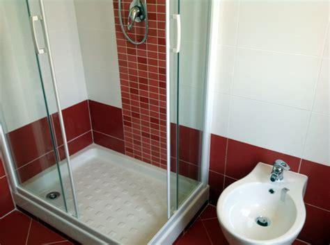 Bagno Mosaico Rosso by Progetto Ristrutturazione Bagno Rosso Idee