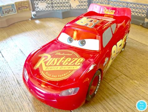 lighting mcqueen cars 3 toys cars 3 toys guide cars books and on