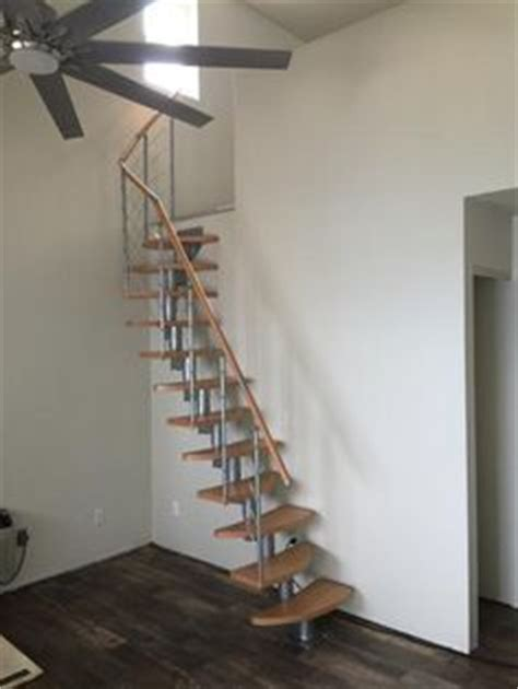 standard measurements for indoor stair railing