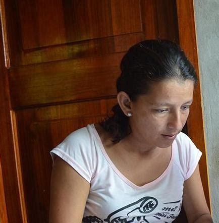 madre le pide ayuda a su hijo y se la coje madre pide ayuda para su hijo el diario ecuador