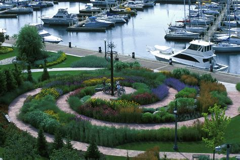 Landscape Forms Toronto Julie Moir Messervy Design Studio The Toronto Garden