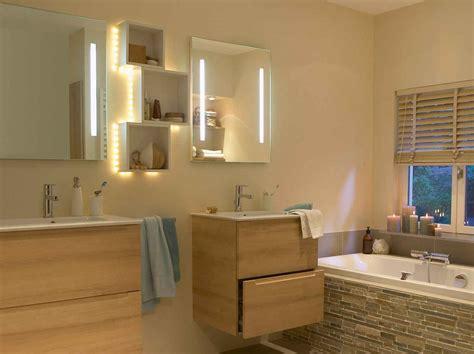eclairage pour salle de bain tout savoir sur l 233 clairage dans la salle de bains leroy
