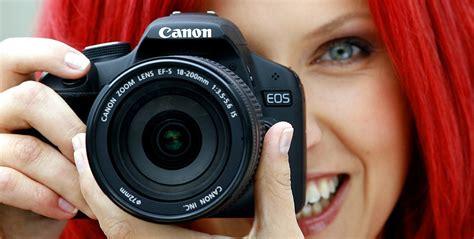 girl with camera wallpaper hd 191 realmente necesit 225 s una c 225 mara reflex