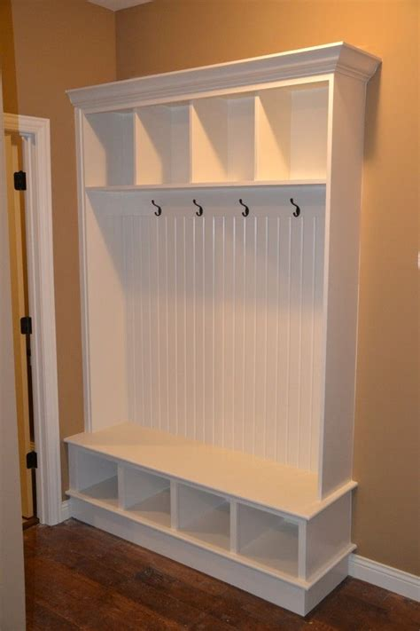 Mudroom Bench With Storage Entryway Storage Bench And Wall Cubbies Woodworking Projects Plans