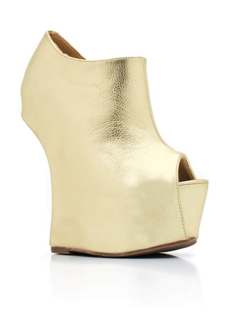 trends and styles of wedge shoes for fashion