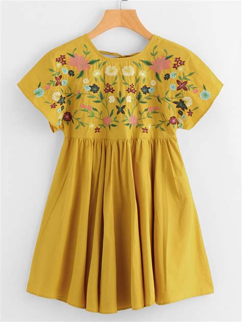 Smock Top Floral Dress Like Gucci by Best 25 Smocked Dresses Ideas On Smocking