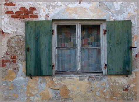 alte bauernhaus fenster altes fenster in leahad foto bild architektur fenster