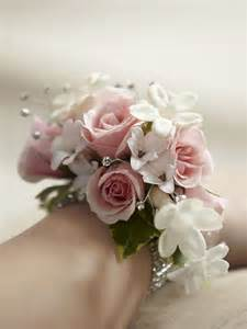 Corsages Near Me The 25 Best Ideas About Prom Corsage On Pinterest Prom Corsage And Boutonniere Prom Corsages