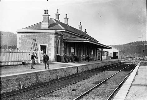 whites mountain motors 1870 eskbank station
