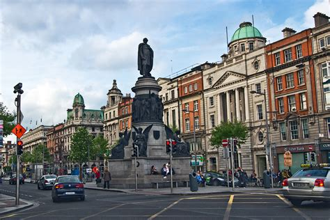 PHOTO: O'Connell Street, Main Thoroughfare in Dublin
