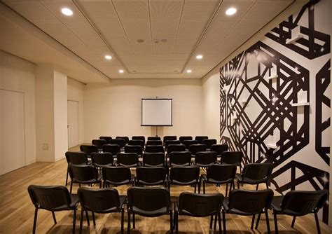 Karpet Max Varna graffit gallery design hotel varna booking