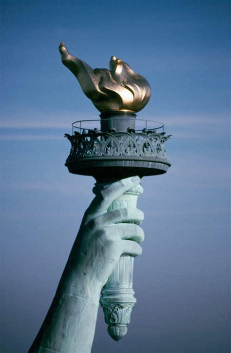 interno statua della libertà simboli tuttacronaca