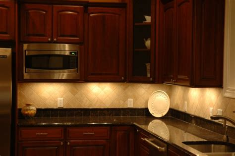 Kitchen Counter Lighting Kitchen Cabinet Lighting 15 Foto Kitchen Design Ideas