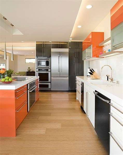 Kitchen cabinet color scheme that brings together orange white and