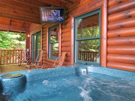 Gatlinburg Cabins With Tub by Gatlinburg Cabin Mountain View Theater Lodge 3 Bedroom