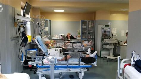 letto di emergenza barella non restituita in ospedale resta fermo