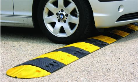 Standard Size Garage premium recycled rubber speed bumps treetop products