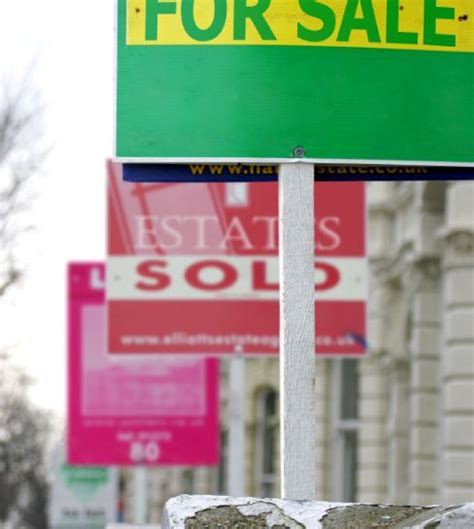 ways to sell your house fast 5 ways to sell your home quickly policy expert
