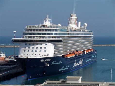 porto di salerno crociere porto di salerno approdata la nave da crociera quot mein
