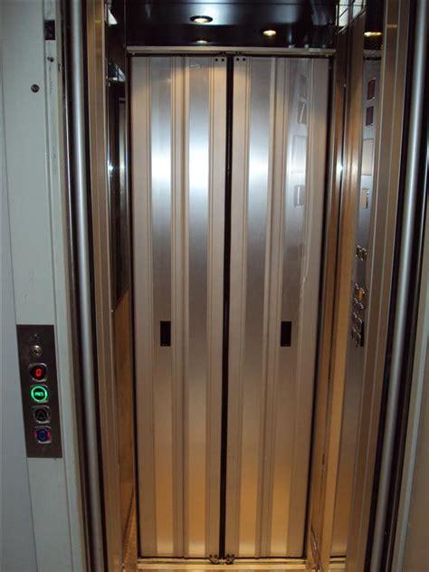 cabina ascensore porte ai piani e di cabina per ascensori ascensori sirme
