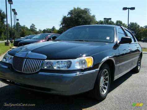 lincoln sports car 2000 lincoln town car congressional town sedan in black