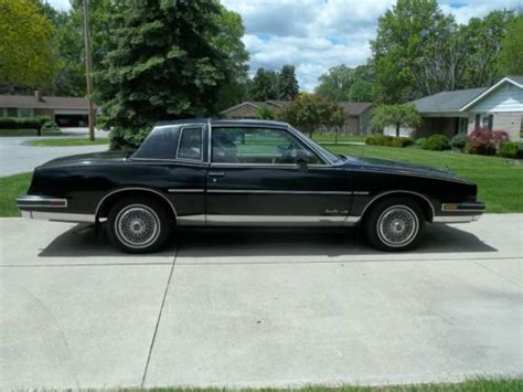 sell used 1987 pontiac grand prix le coupe 2 door 5 0l in marion ohio united states