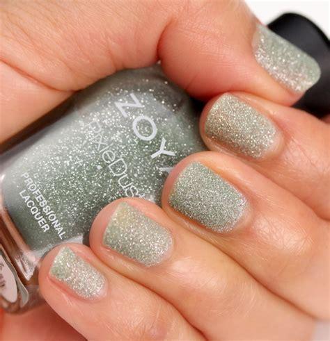Parfum Zoya zoya s pixie dust nail in vespa makeup and