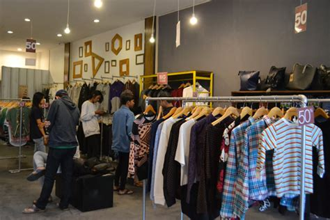 Kaos House Of Smith penuhi pasar house of smith cirebon resmi dibuka radar