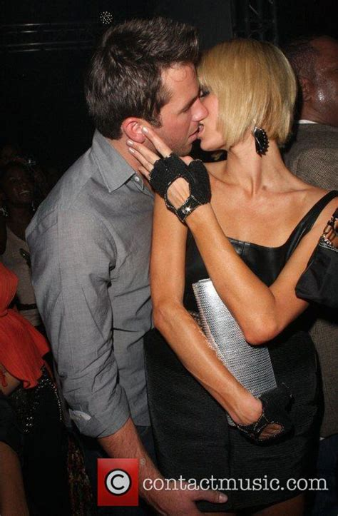 celebrity pda meaning paris hilton queen latifah s birthday party at sir