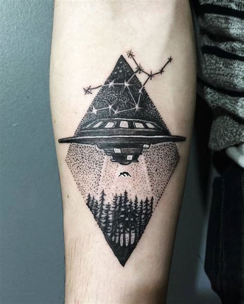 alien abduction tattoo 40 extraordinary ufo designs for enthusiasts
