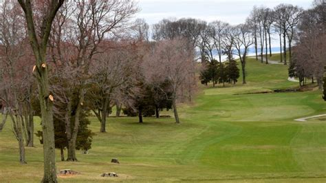 indian hills country club faces  fee  removing