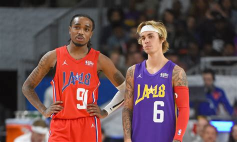 nba all star celeb game watch quavo score a layup on justin bieber in the nba all