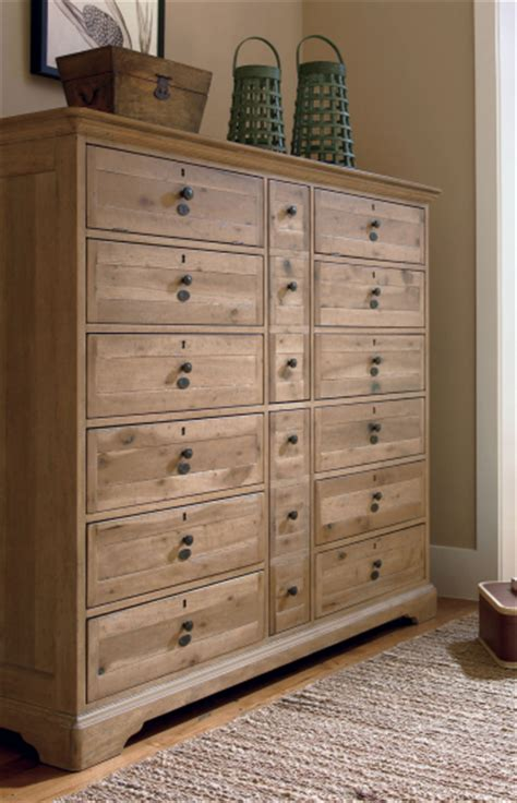 Large Bedroom Dresser Best 25 Large Dresser Ideas On Pinterest Baby Closet Small Baby Wallpaper And Small