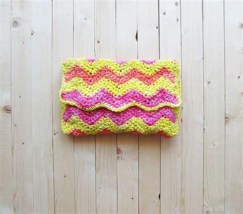 crochet ripple bag pattern diy crochet ripple clutch bag crochet bag clutch