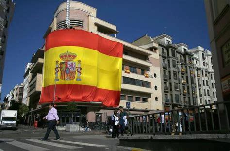 sala pacha madrid la discoteca pach 225 coloca una gigantesca bandera de espa 241 a