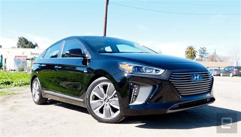 who make hyundai hyundai hopes it can make car shopping simpler